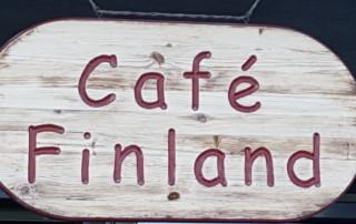 skylt på café Finland